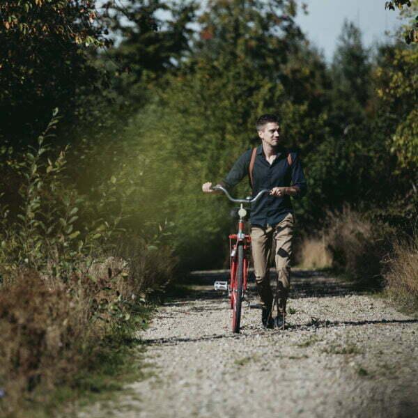 Cykel på grusväg